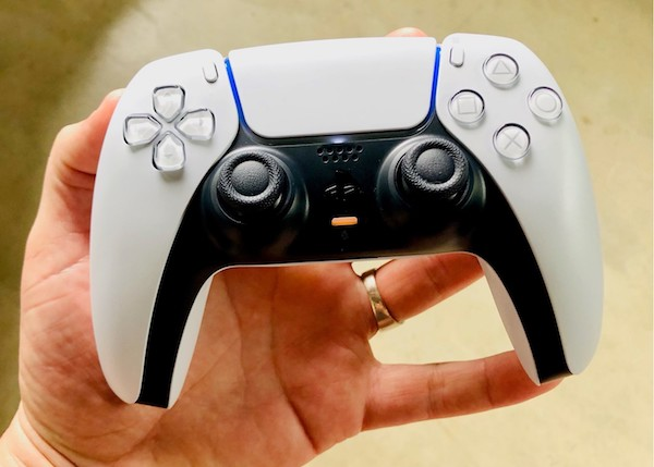 PS5 Hands On Dualsense